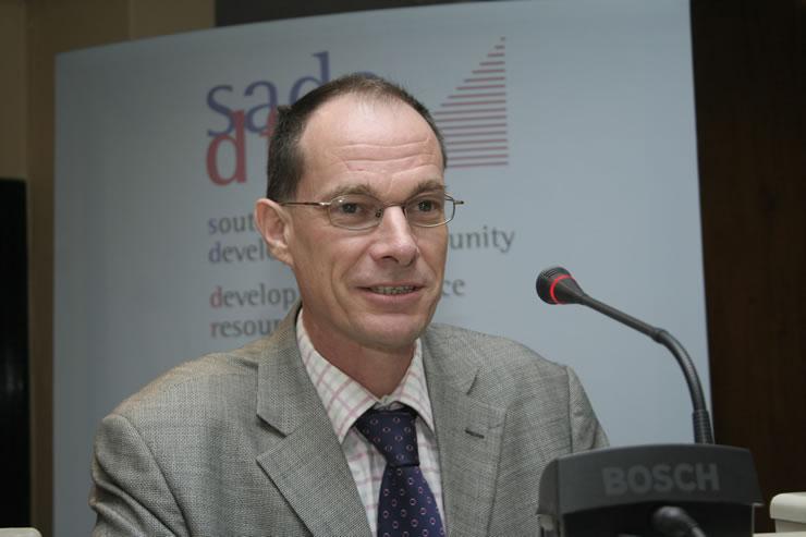 Dr Keith Jefferis